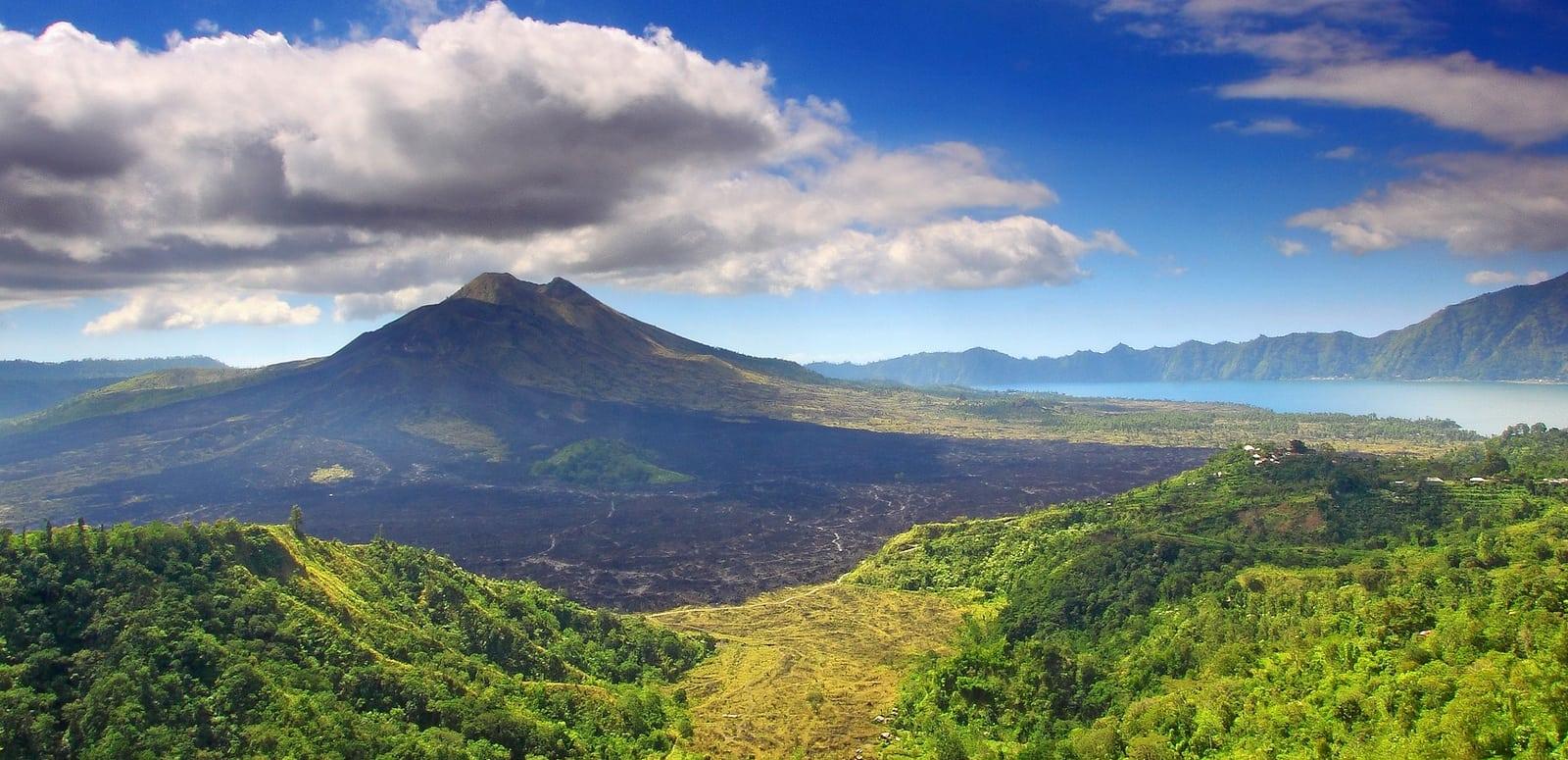 Nikmati Pemandangan Gunung dan Danau Batur Yang Menakjubkan