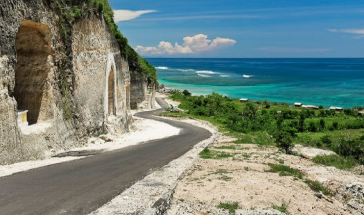 Nikmati Keindahan Pantai Berpasir Putih di Bali Selatan