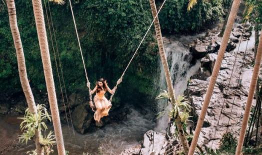 Cobalah Sensasi Yang Mendebarkan Saat Menaiki Waterfall Swing