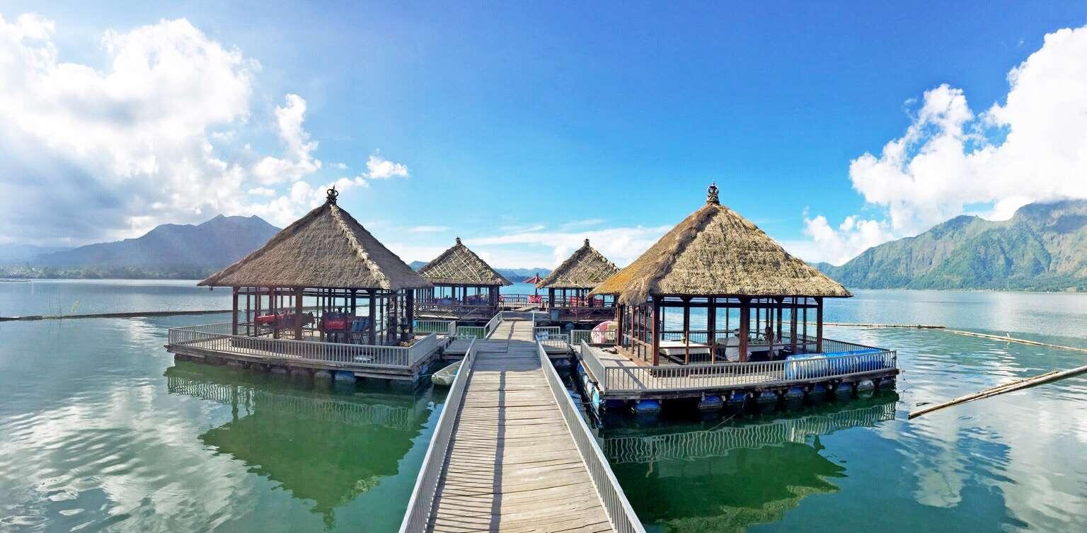 Menikmati Suasana Danau Batur di Salah Satu Resto Hits di Kawasan Kintamani, Resto Apung