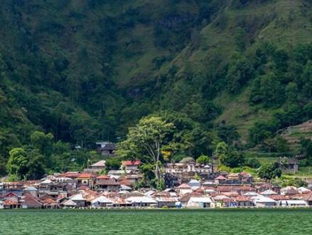 Explorasi Desa Trunyan Yang Merupakan Salah Satu Desa Bali Aga Dengan Sistem Penguburan Mayat Yang Unik